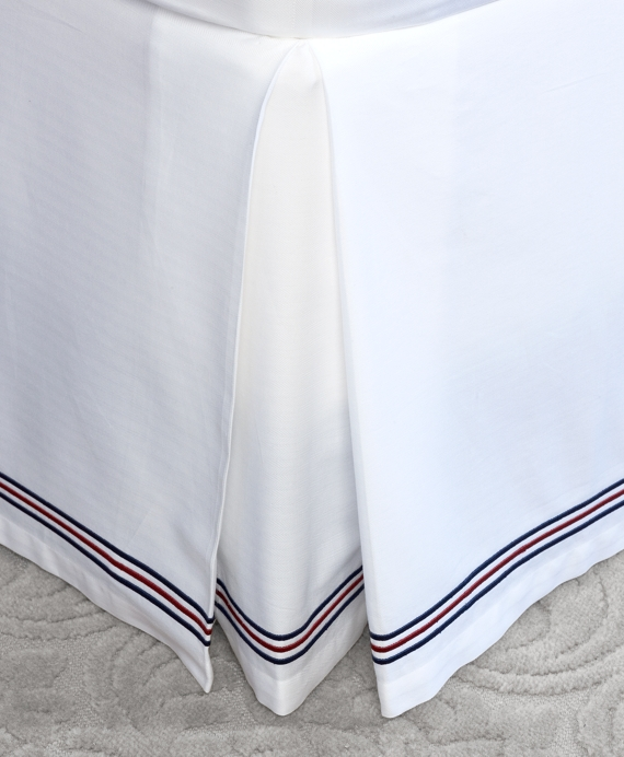 Herringbone Full Bed Skirt White-Navy