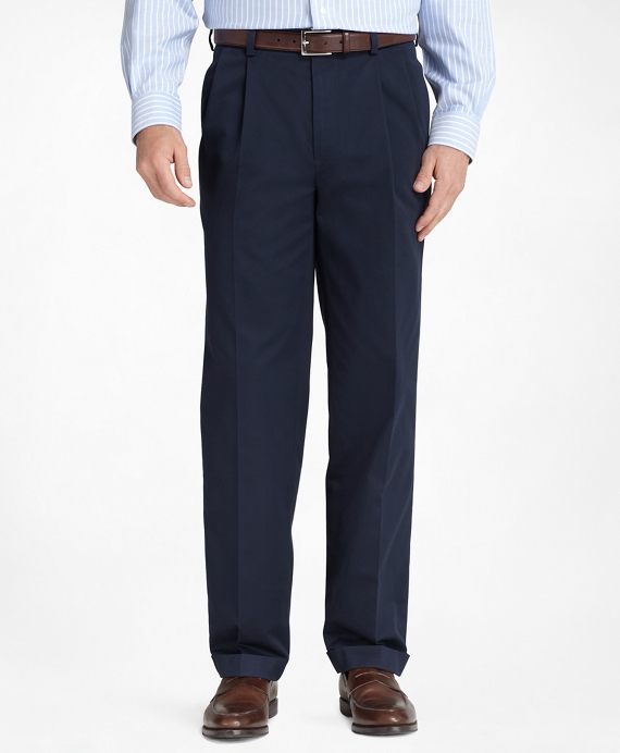 Thompson Fit Pleat-Front Lightweight Advantage Chinos® Navy