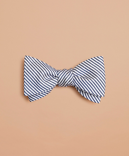 Alternating Stripe Bow Tie