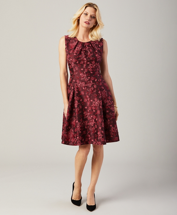 Floral Jacquard Pleated Dress Burgundy