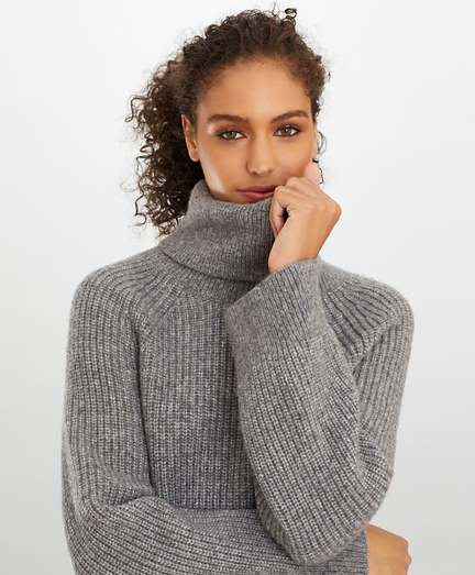 Stretch Wool Oversized Turtleneck Sweater